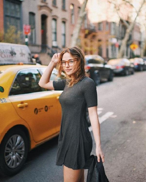 Tại sao Top 10 gọng kính cận nữ kim loại được tìm kiếm nhiều?