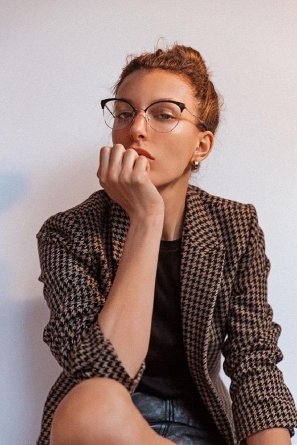 Gọng kính cận đẹp cho nữ được nhiều người tìm kiếm