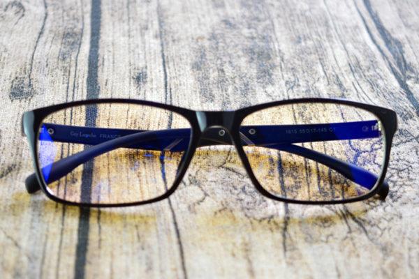 Phân biệt mặt kính Sapphire với các loại mặt kính khác