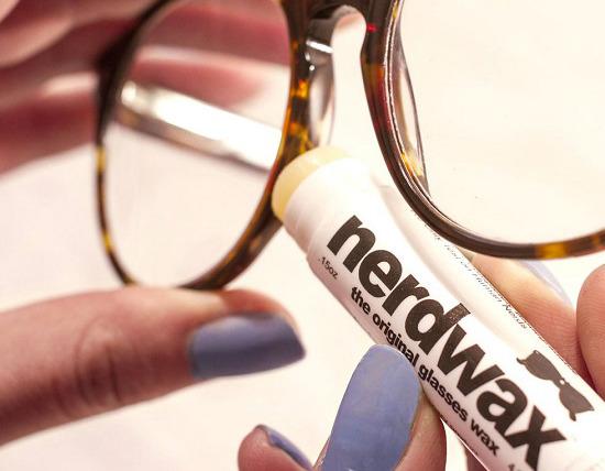 Hướng dẫn đeo kính không bị tuột xuống mũi hay nhất 2021